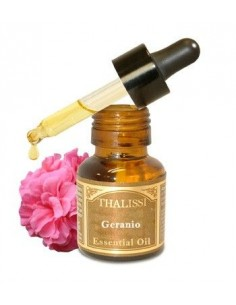 GERANIUM PURE ESSENTIAL OIL.